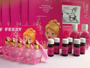 Thuis workshoppakket zelf parfum maken